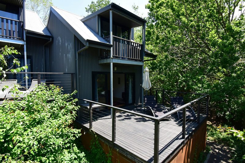 Cloudsong Chalet 4 - Close to the village centre!, holiday rental in Budgong
