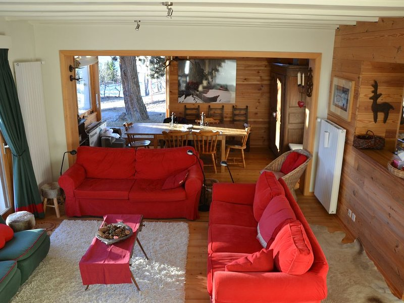 Chalet - 100 m from the slopes, vacation rental in Grimisuat