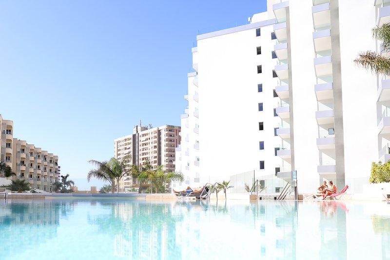 Luxury apartment in Playa Paraiso, holiday rental in Playa Paraiso