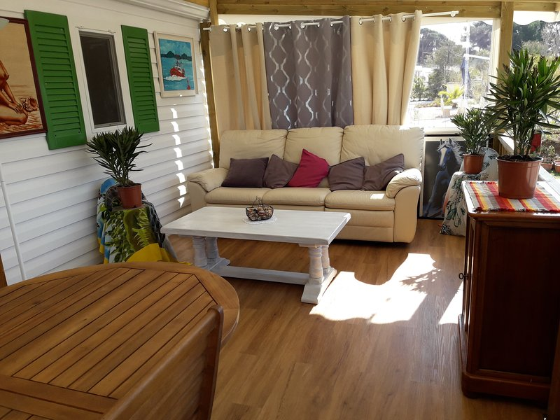 loue Mobil Home, holiday rental in Giens