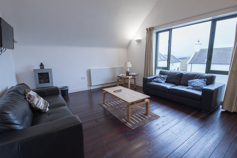 There is Barn Loft Apartment, holiday rental in Portballintrae