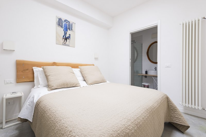 Skylight - Design Two Bedrooms Loft, holiday rental in San Donino