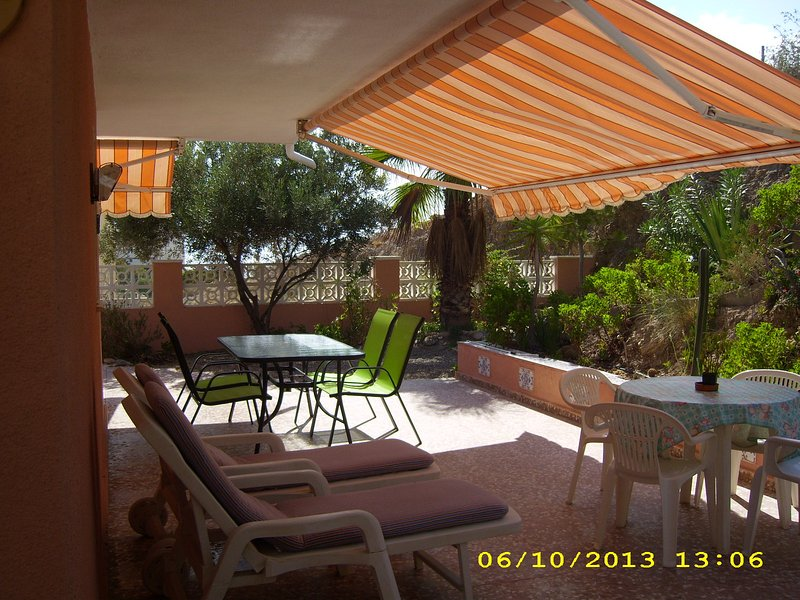 Nice chalet with sea view & terrace, holiday rental in Aguilas