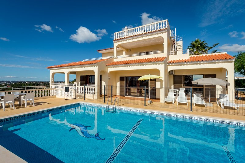Villa Mirante, holiday rental in Patroves