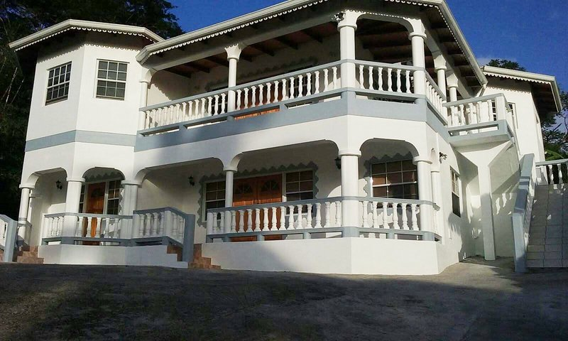 KM Lodge welcomes you, holiday rental in Saint Andrew Parish