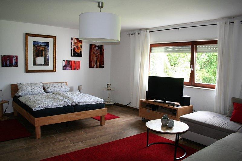 Apartment An der Weinstraße - Ihr Zuhause in der Pfalz, casa vacanza a Woerth am Rhein