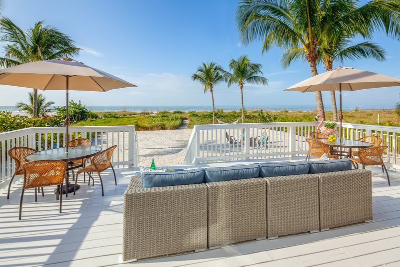 Comfortable outdoor sofas to relax