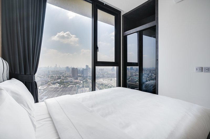 Modern & Cozy 1 Bed w/Balcony in the LINE - Mochit, vacation rental in Lat Phrao