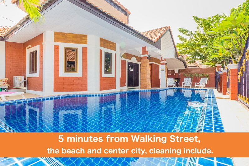 GARDEN VILLA - PATTAYA HOLIDAY HOUSE WALKING STREET, holiday rental in Pattaya