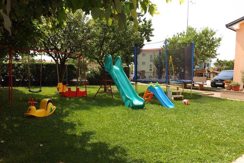 Umag Apartment Sleeps 3 with Air Con - 5466775, location de vacances à Finida