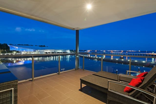 3 Bedroom Waterfront and Precinct Views -  Darwin Waterfront Apartments, vacation rental in Darwin