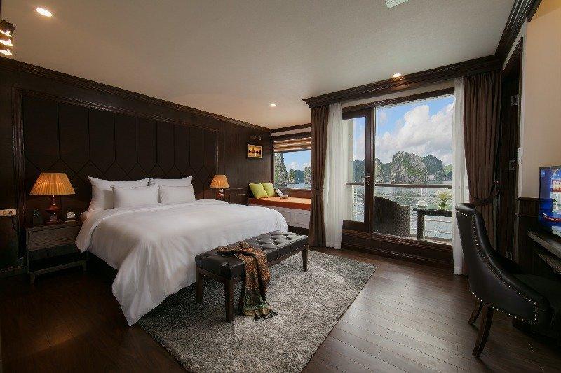 Mon Chéri Cruises - Elegant Suite 2, holiday rental in Hai Phong