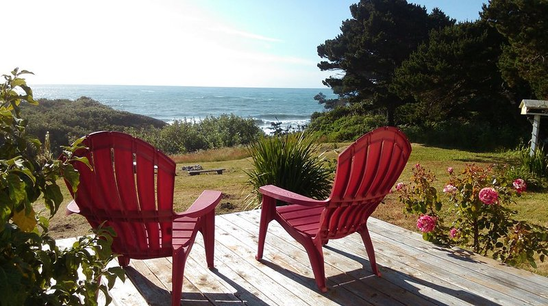 Romantic Beach House Oregon Coast, vacation rental in Ophir