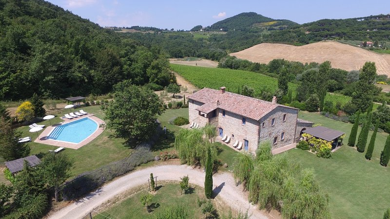 Sant'Albino Villa Sleeps 14 with Pool Air Con and WiFi - 5226996, holiday rental in Sant'Albino