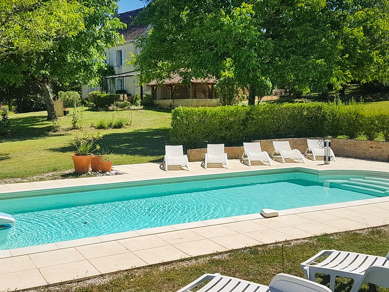 Lamothe-Fenelon Villa Sleeps 6 with Pool and Air Con - 5712748, alquiler vacacional en Loupiac