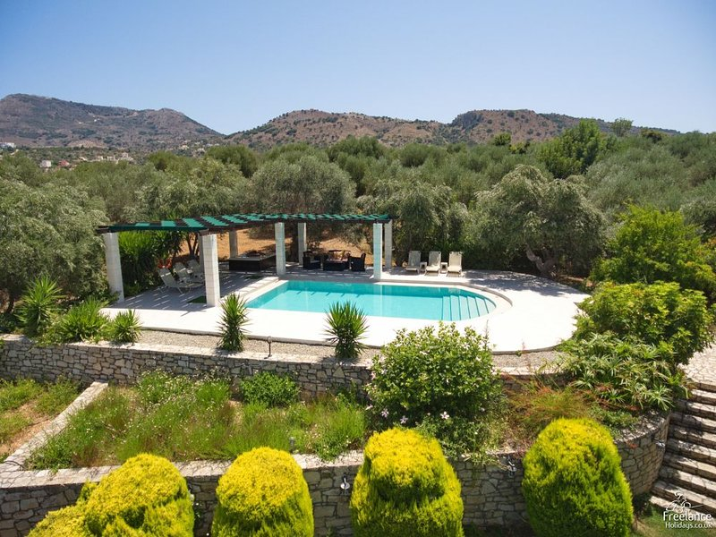 Kampia Villa Sleeps 6 with Pool and Air Con - 5228038, vacation rental in Aspro