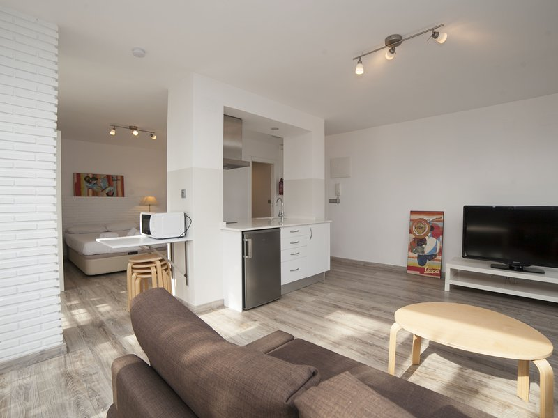 LOFT Postiguet: City Center and Sea Views all in One, holiday rental in Pinoso
