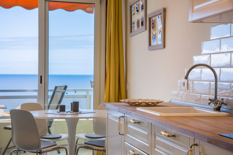 Amazing view you fall in love with, holiday rental in Puerto de Santiago