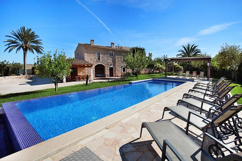 Villa Hortensia, holiday rental in Cala Marcal