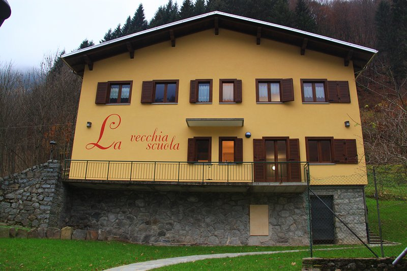 La Vecchia Scuola, vacation rental in Rimasco