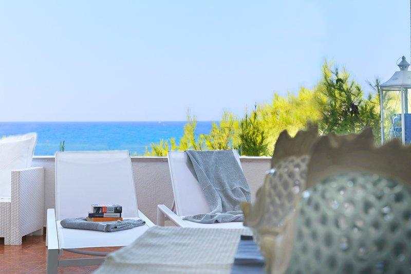 AQUARIUS★Beachfront Home&Private Beach Access★Amazing Sea View! Gallipoli Puglia, casa vacanza a Padula Bianca