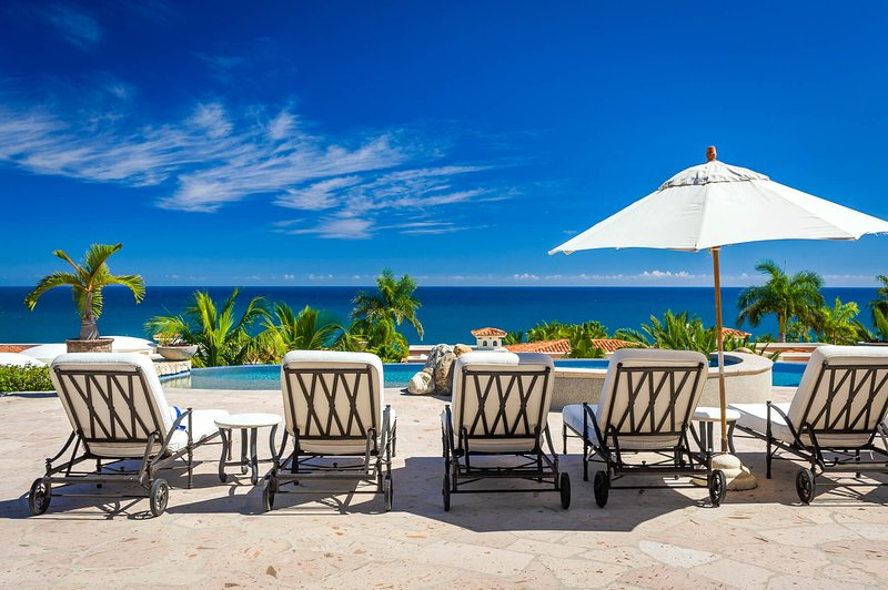 Enjoy an unforgettable experience in Palmilla while staying at Villa Fuego y Agua!