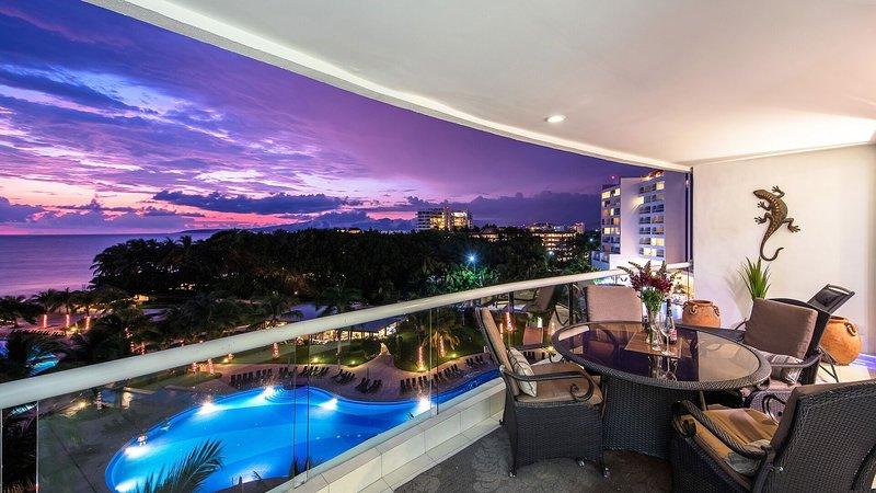 5th Floor Stunning Villa magna 3 bedroom ocean front condo!