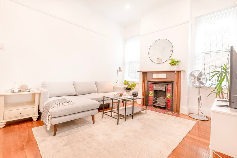 Perfectly Located Inner West Freestanding Home with Garden, vacation rental in Marrickville