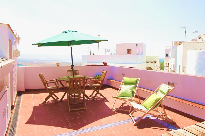 Magnificent private terrace of 50 square meters with views of the historic center, Africa and La Janda