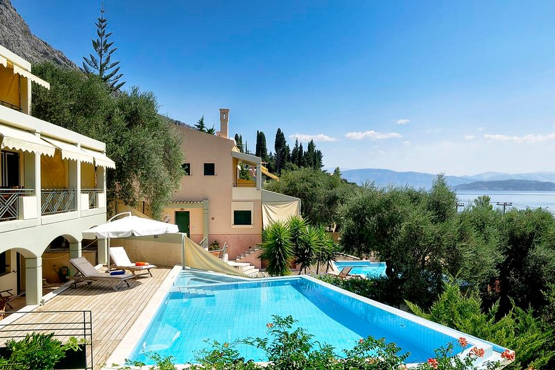 Aeolos Luxury villa by the sea with private pool, vacation rental in Barbati