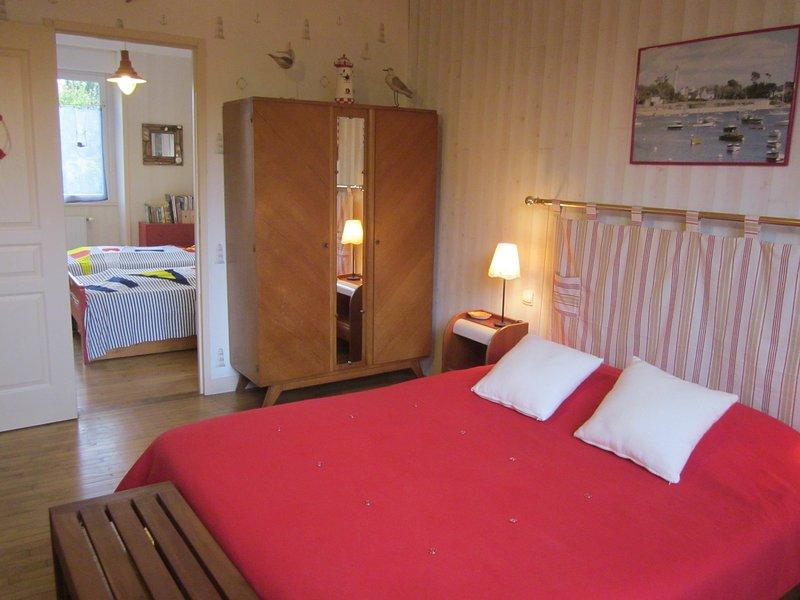 Chambre d'hôtes familiale pour 4 personnes, location de vacances à Plogonnec