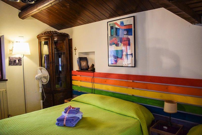 OTUS - Camera quadrupla vista piscina, holiday rental in Monte Porzio