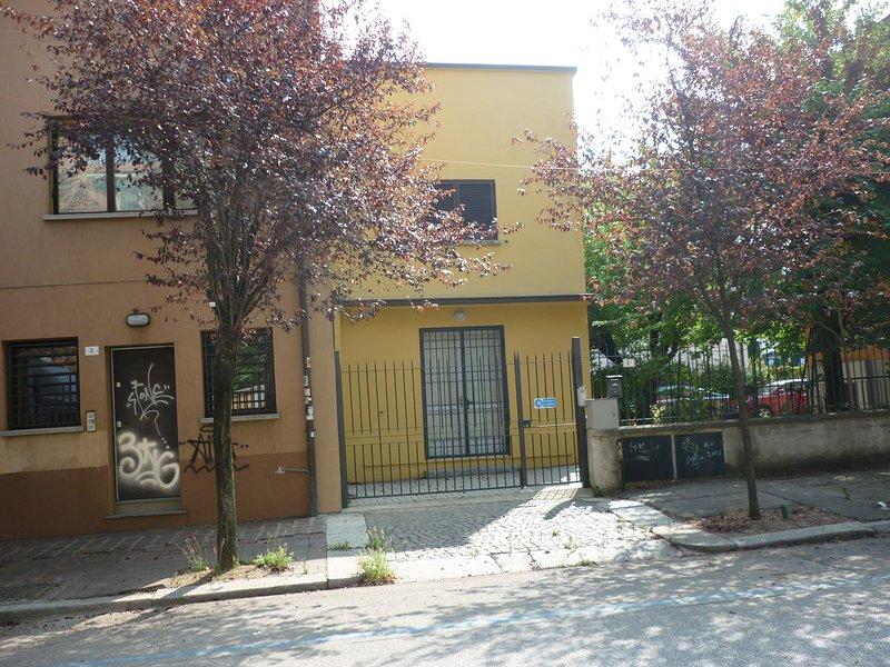 ampio monolocale, holiday rental in San Donino