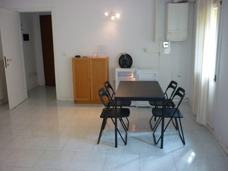 Amazing apartment in Bologna, vacation rental in Monte San Pietro