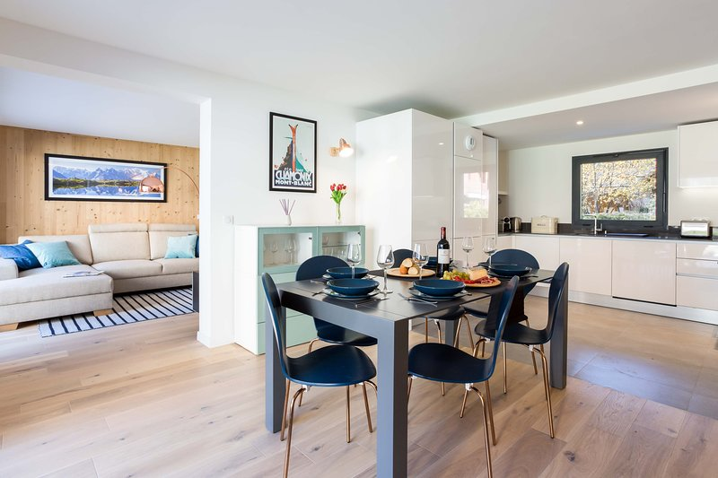 Stay at La Cordee 504 Apartment with 'Very Good' Property Manager 4.5/5, holiday rental in Les Praz-de-Chamonix