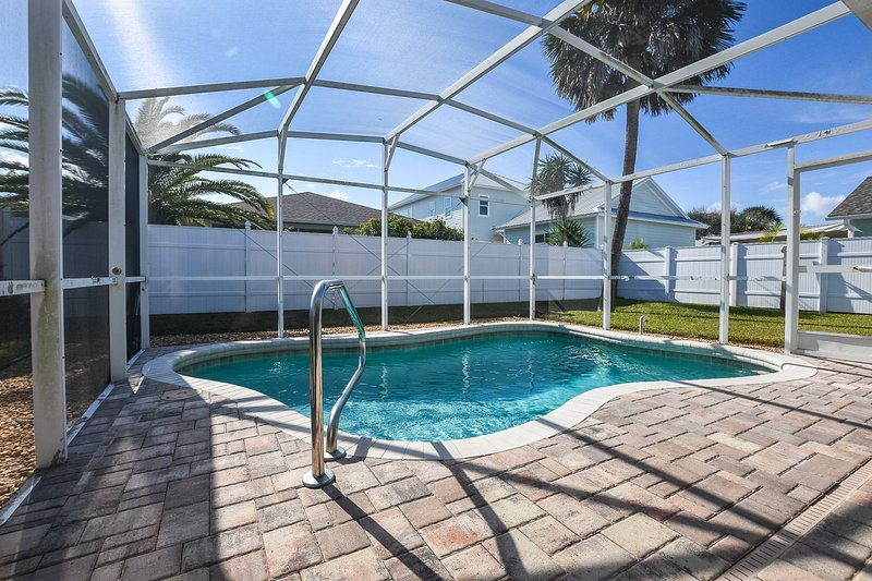 Private Pool- Steps to the Beach- Best Location!, holiday rental in New Smyrna Beach