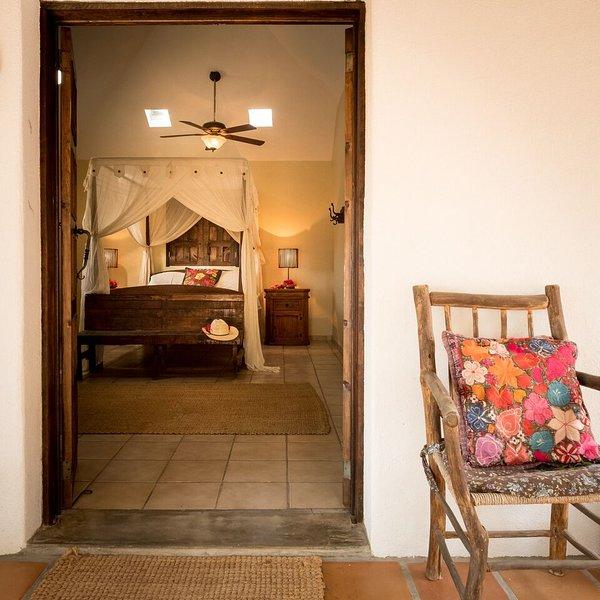 Peaceful 3 bedroom Pool Home, holiday rental in Todos Santos