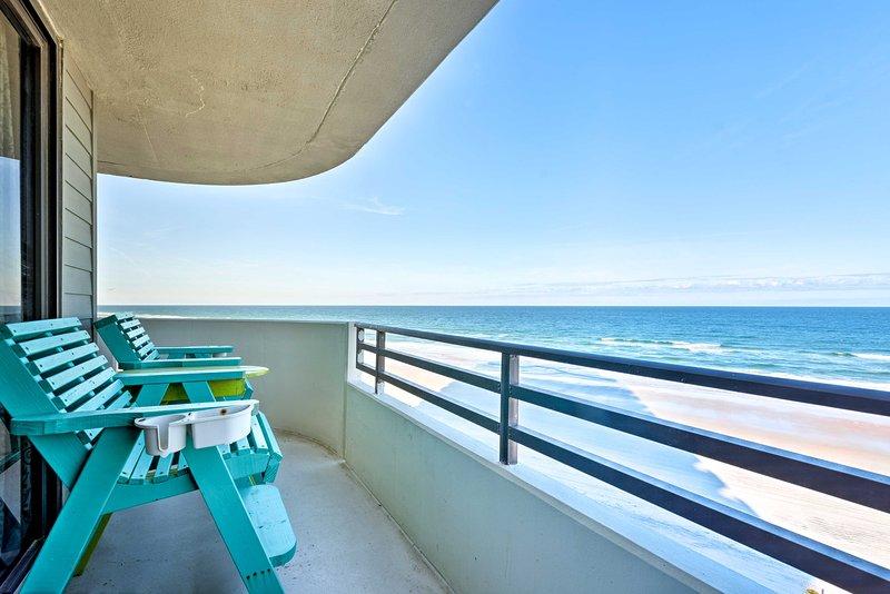 Oceanfront Daytona Beach Condo - By Boardwalk, alquiler de vacaciones en Holly Hill