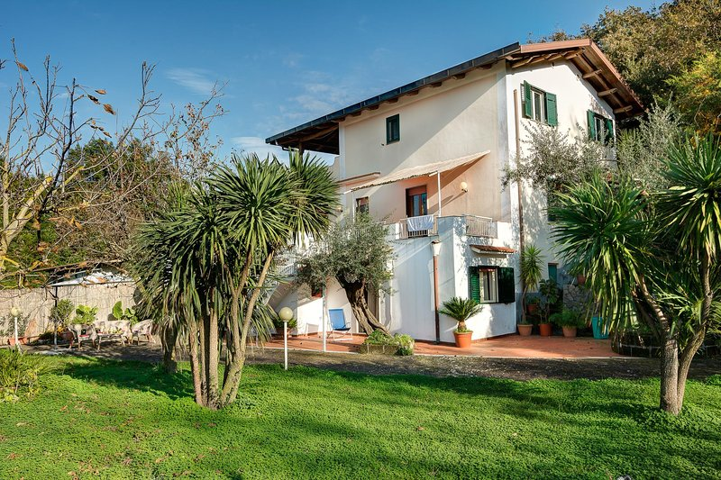 Villa Serena – Authentic Italian villa in the countryside, vacation rental in Roncato