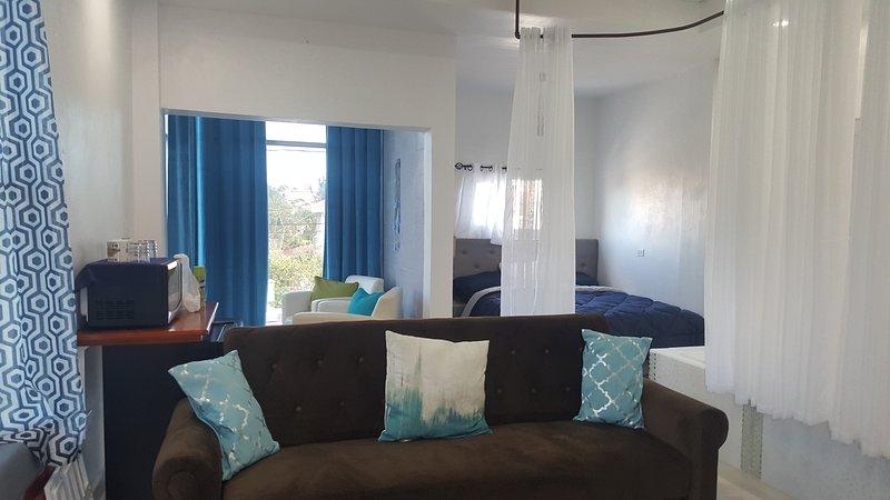 Honeymoon, holiday rental in Belize City