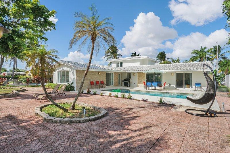 Villa Waterfront Pool + Deck – semesterbostad i Lauderdale by the Sea