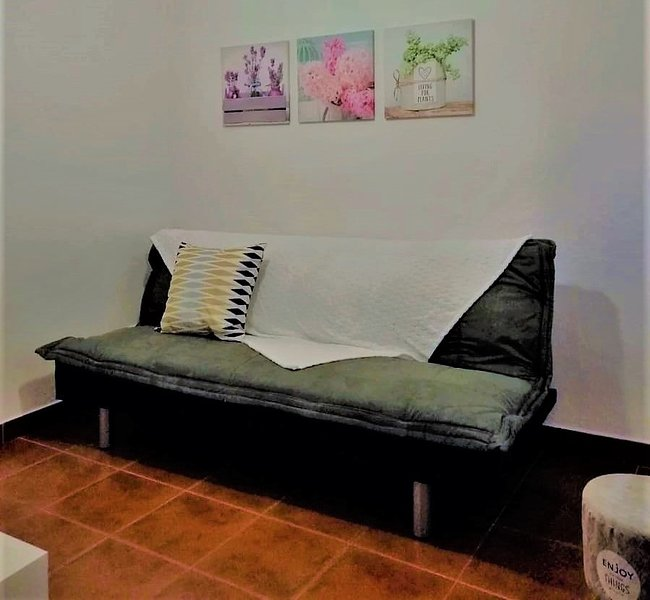 Beautiful apartment with balcony, vacation rental in Almada
