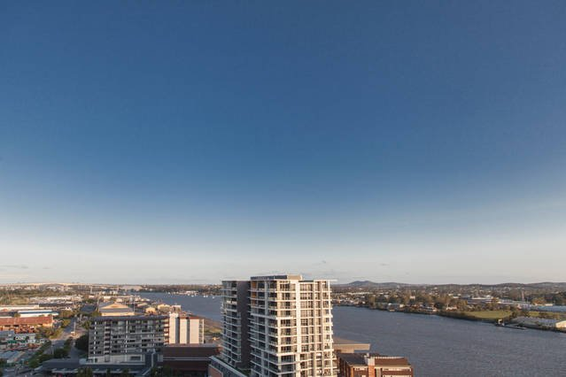 Higgins House Two  - Sub Penthouse Riverside Lifes, vacation rental in Brisbane