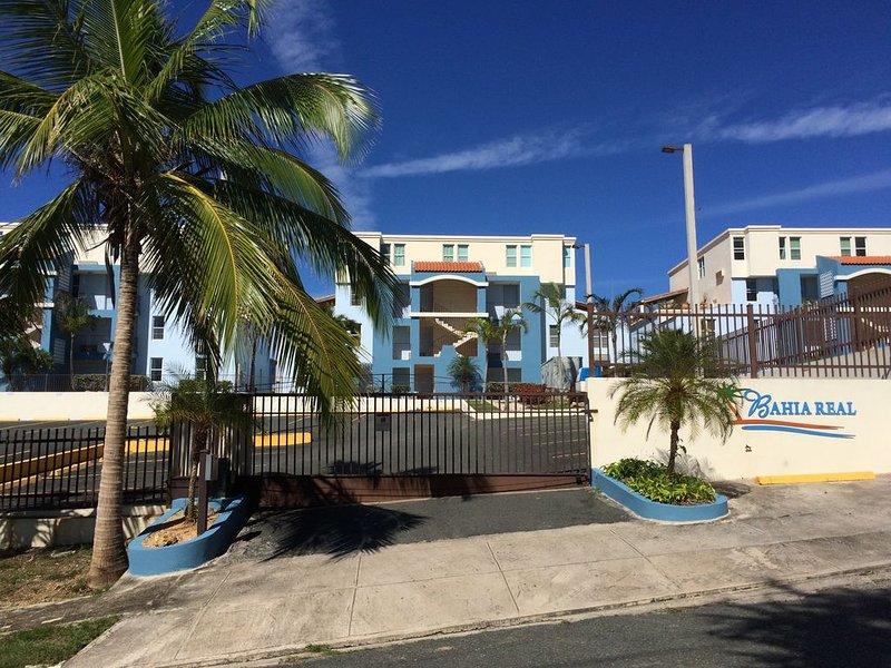 Sunset Paradise - Ocean View Penthouse Apartment, casa vacanza a Lajas