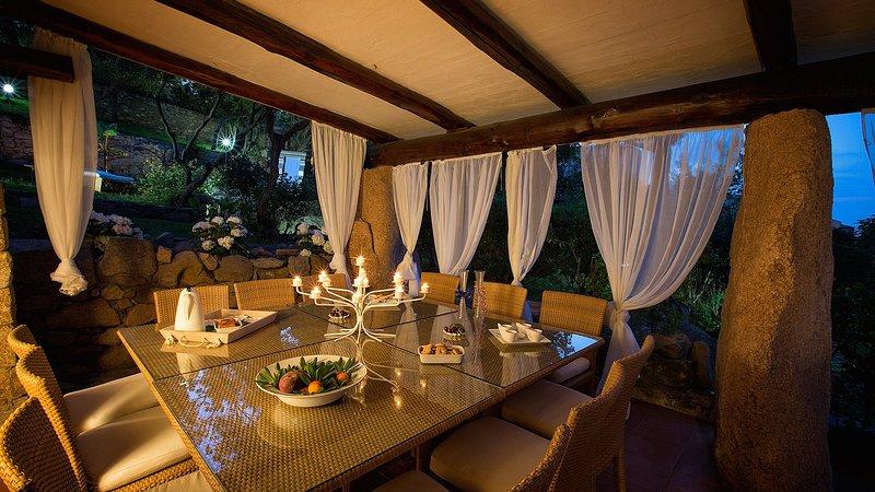 Luxury villa Il Porto, holiday rental in Poltu Quatu