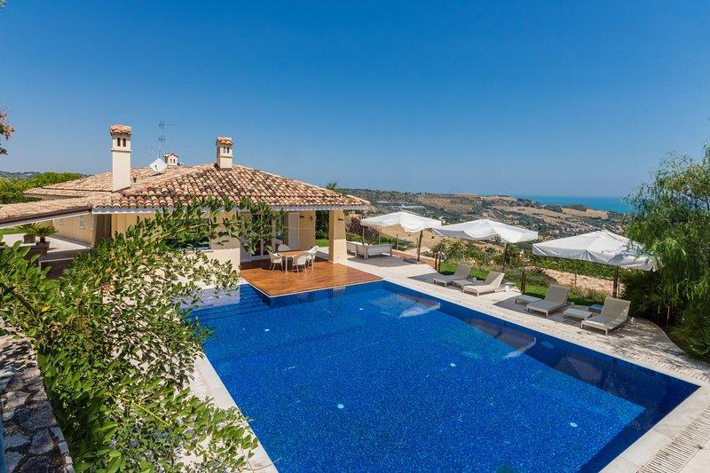 VILLA STELLA, holiday rental in Colli Del Tronto