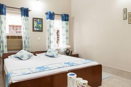 AT NARAYANIZ ACE GUESTHOUSE  ROOM-3, CERTIFIED BY GOVT OF INDIA, aluguéis de temporada em Howrah District