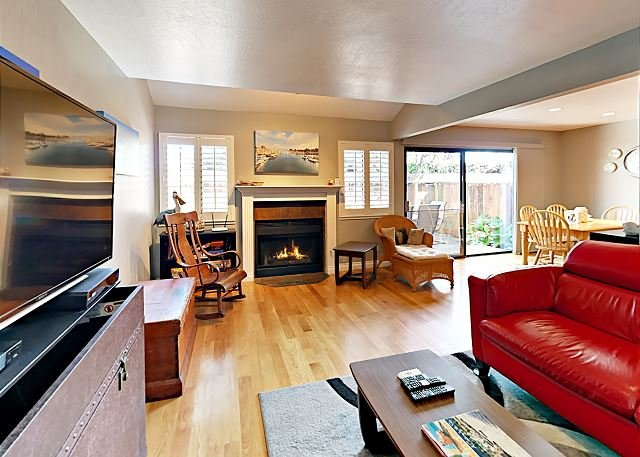 Updated Patio Home w/ Prime Locale: Near Beaches, Bistros & Boardwalk, holiday rental in Soquel
