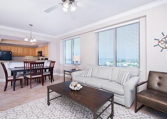 15th-Floor Crystal Tower Condo w/ 2 Balconies & Epic Views!, holiday rental in Gulf Shores