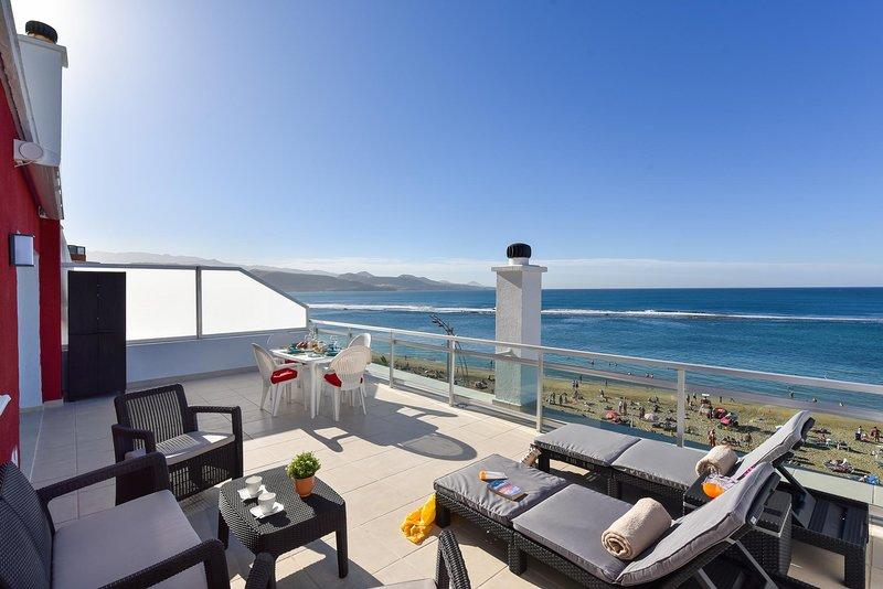 Apartment over the sea Las Canteras MC, vacation rental in Utiaca